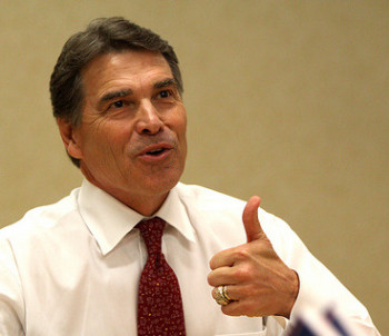 Normal women seem to really like compliments from Governor Rick Perry.
