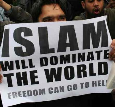 http://nationalreport.net/wp-content/uploads/2013/10/Sharia-Law.jpg