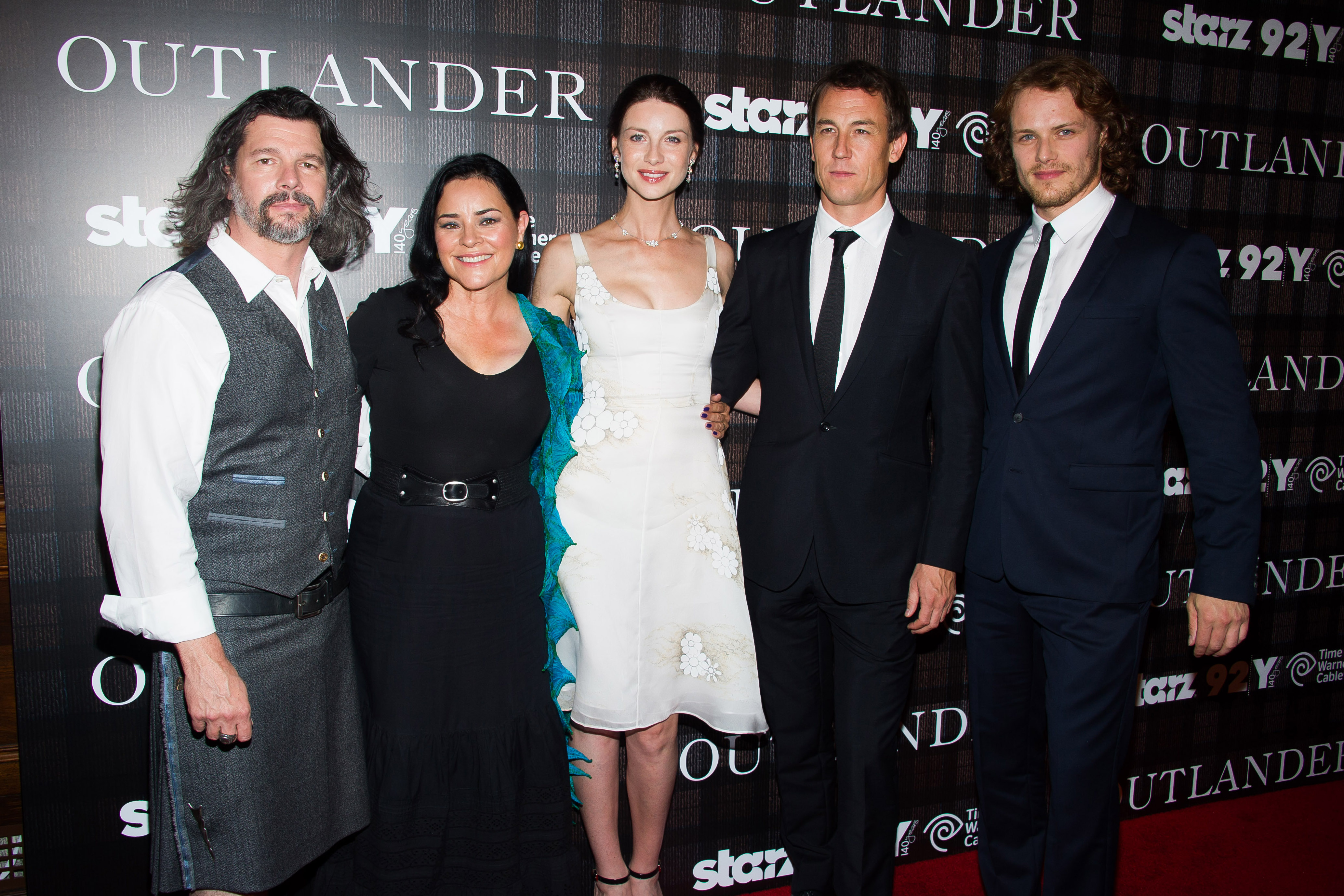Are jamie and claire outlander actors dating 7
