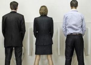 woman-peeing-standing